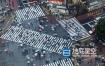 视频素材-延时汽车人群穿越十字路口繁忙旅游经济视频