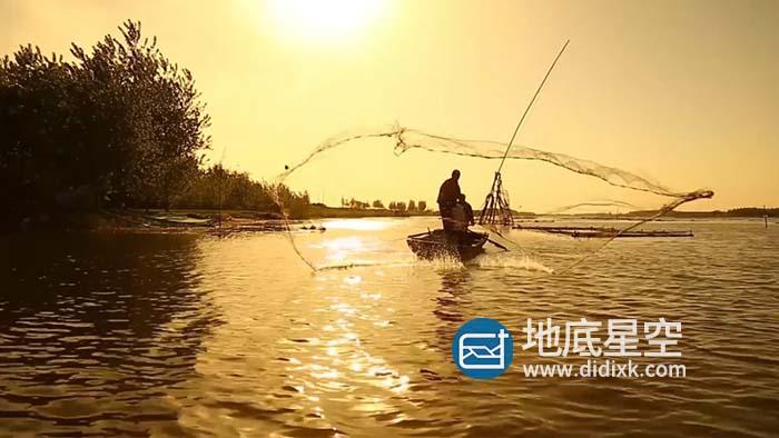 视频素材-夕阳下渔民湖边撒网捕鱼